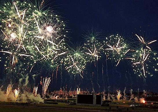 府中競馬場の花火