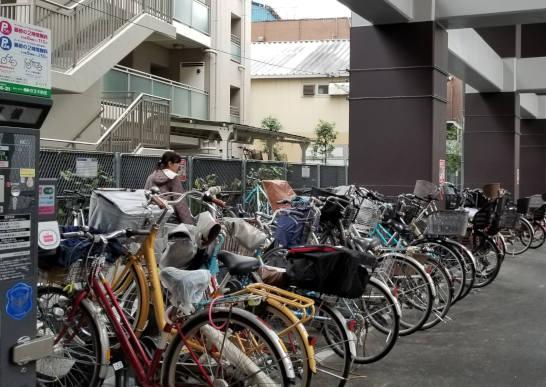 府中駅高架下駐輪場