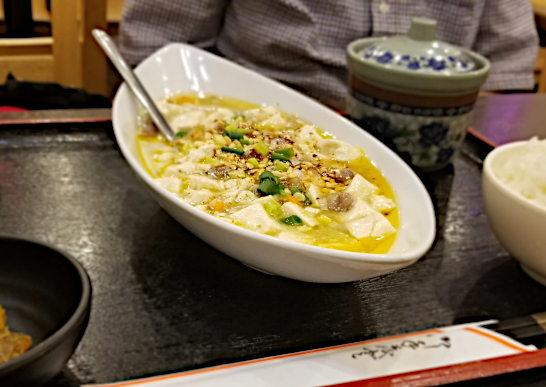 麻辣房の白麻婆豆腐